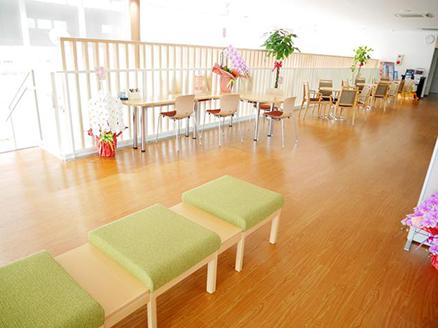 2階休憩スペース、商談スペースも広くて周りが気になりません。