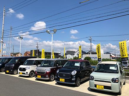 展示車も試乗車も沢山揃えて皆様のご来店をお待ちしております。
